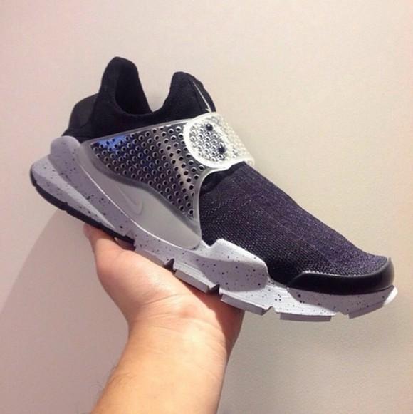 timeless design b4929 819f9 Fragment Design x Nike Sock Dart 'Oreo' Sample