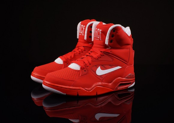 4c9d8dd99b7 Nike Air Command Force Red White Black - Detailed Look + Release Info 7