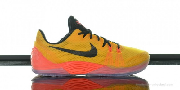 Nike Zoom Kobe Venomenon 5 'University Gold' Arriving at Retailers Now 2