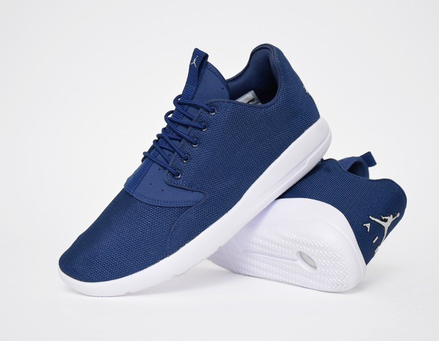 3e6372cf0341f3 Jordan Eclipse Now Comes In Navy - WearTesters