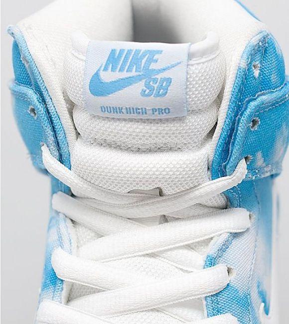 Nike SB Dunk High Pro 'Clouds' tongue