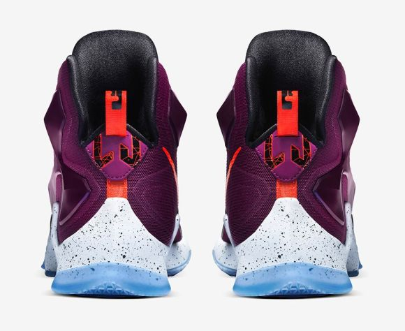 Nike LeBron 13 Written In The Stars heel