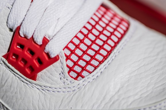 Get Your Best Look at the Air Jordan IV 'Alternate 89'-5