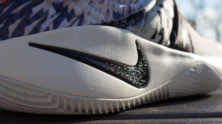 Nike Kyrie 2 PR (2 of 4)