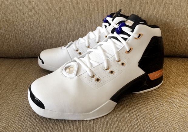 ea54b195677e46 A Detailed Look at the Air Jordan 17+  Copper  Retro - WearTesters