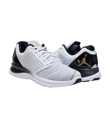 a71539f87816e3 The Jordan Flight Runner 3 Now Comes With a Touch of Gold 3 ...