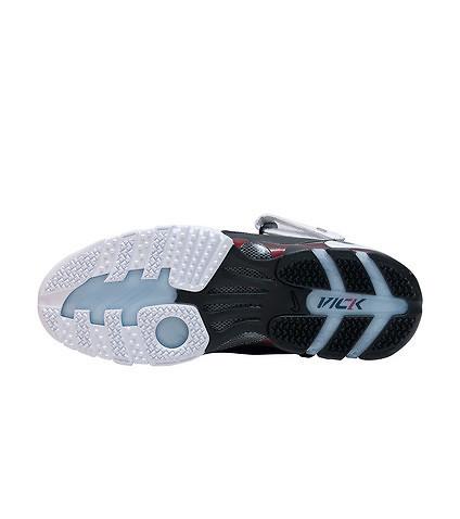 The Nike Zoom Vick III (3) is Back in Retro Form 4 - WearTesters d41e6cd22e30e