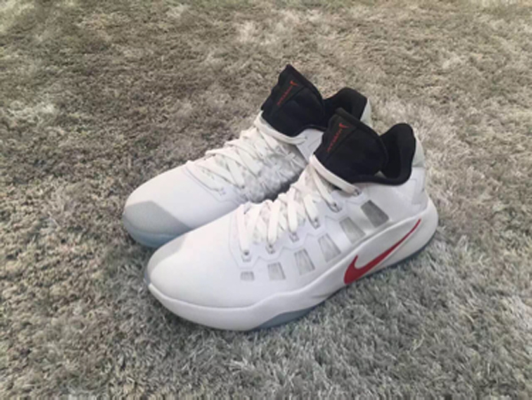 There is a Nike Hyperdunk 2016 Low 1