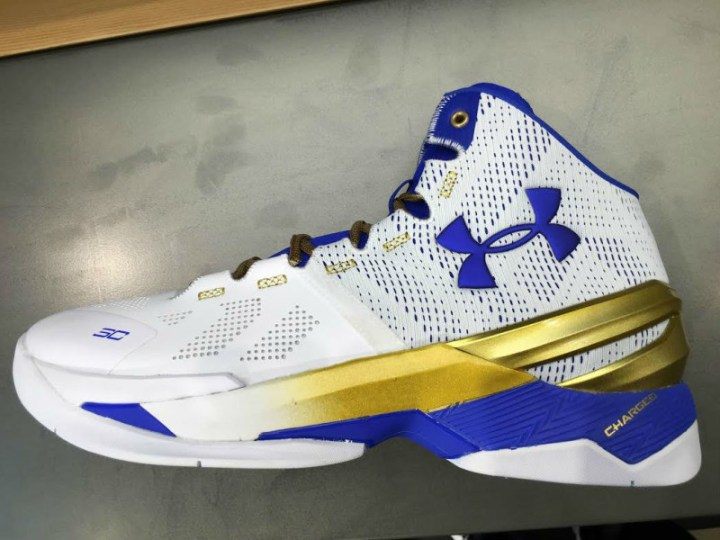 Under Armour Unveils the Curry 2 'Gold Rings'-2