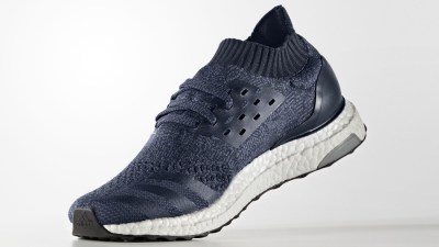 Adidas Ultra Boost Uncaged - Navy - Angle