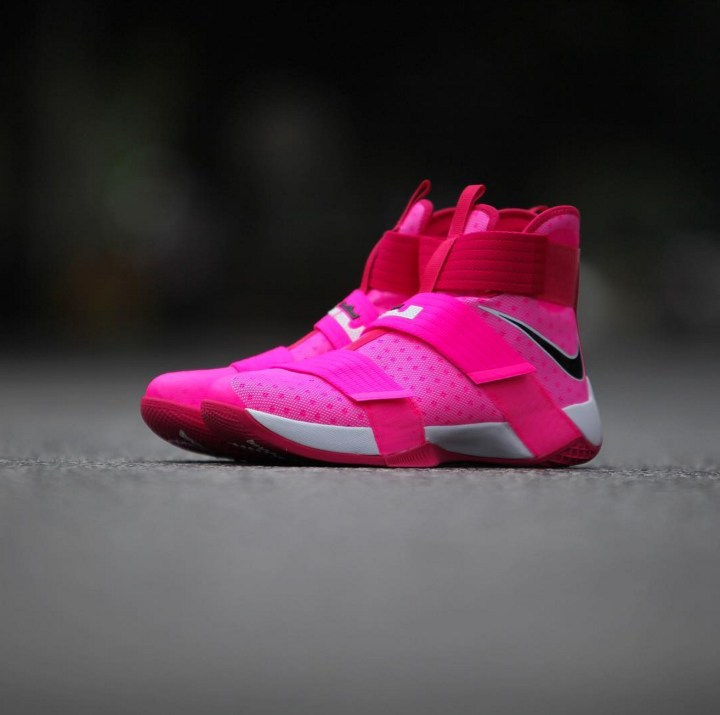 aea4384b6ad37 A Nike LeBron Soldier 10 for Breast Cancer Awareness - WearTesters