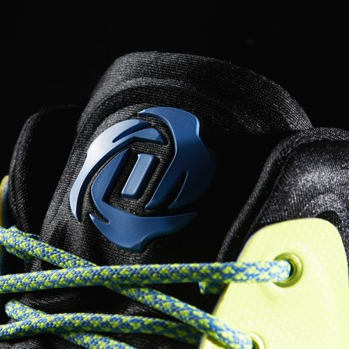26fbdfd2423f There is a New Primeknit Edition of the adidas D Rose 7 Available ...