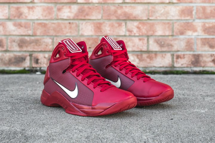 21674c8b322 The Nike Hyperdunk 2008 Appears in Gym Red - WearTesters