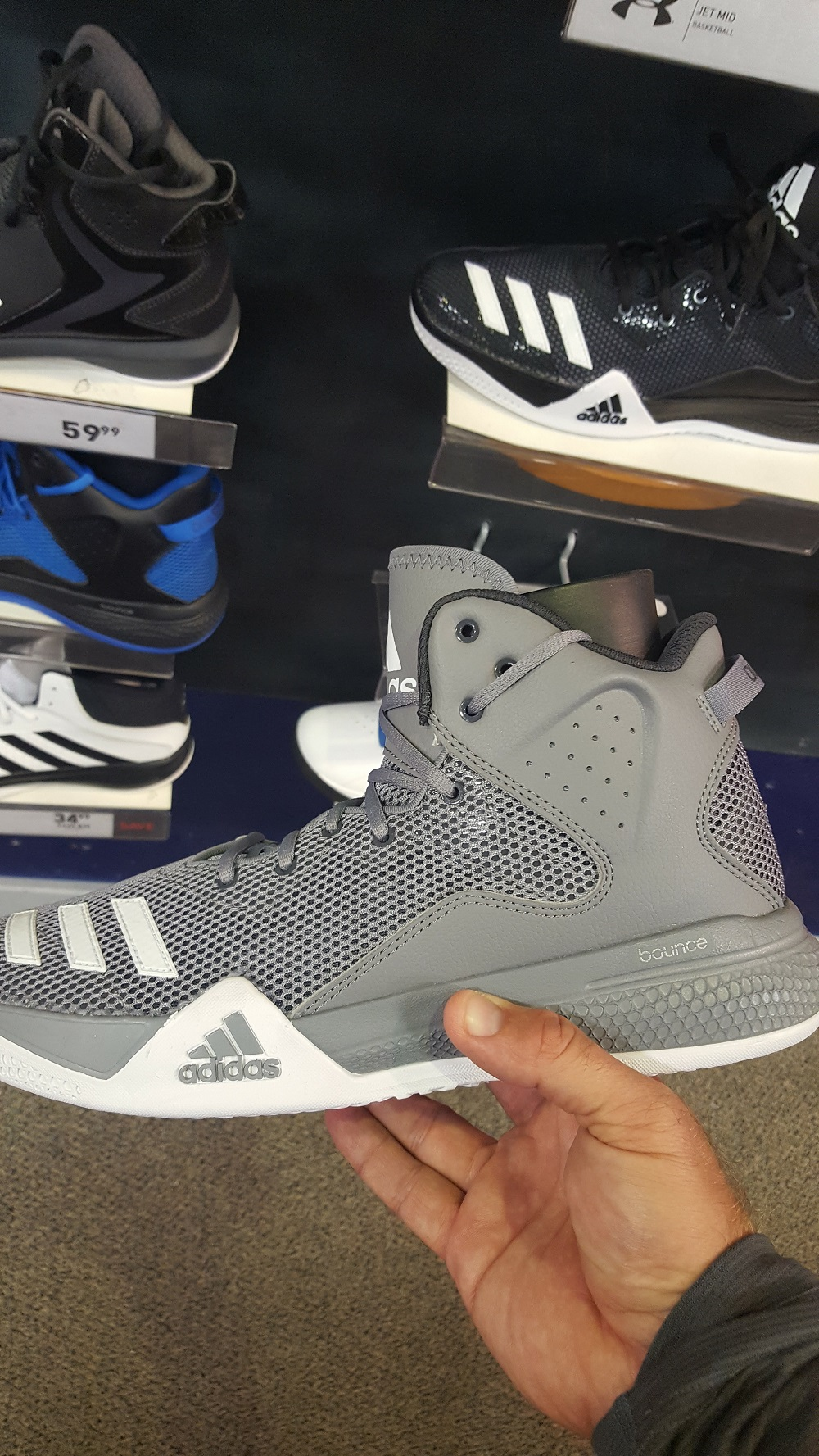 adidas dual threat 4 - WearTesters 9f5617d2c