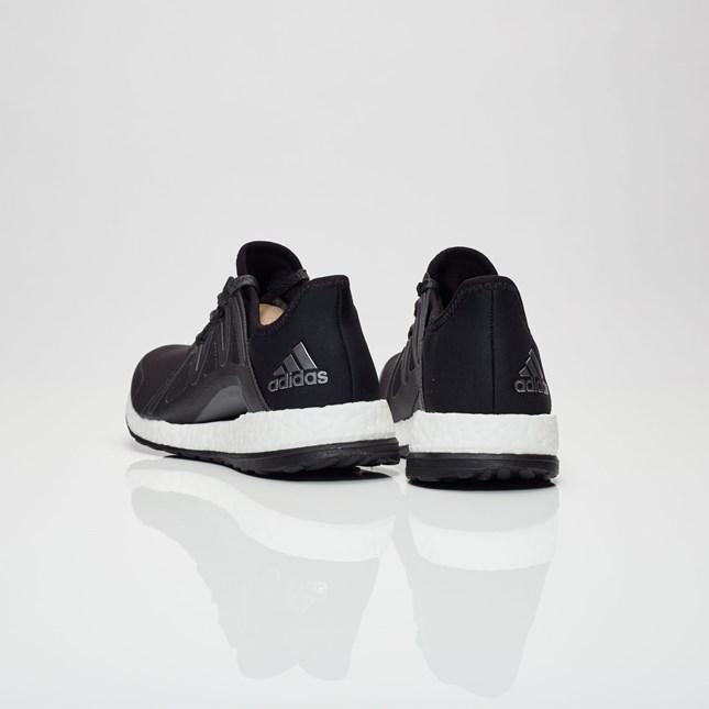 PureboostXpose-Black-Heel