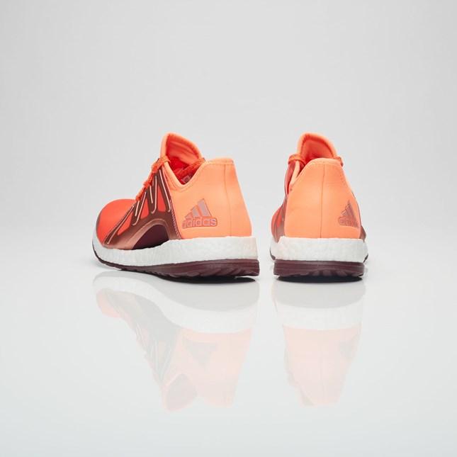 PureboostXpose-Glow Orange-Heel
