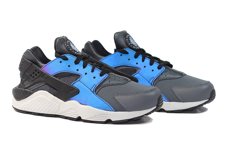 quality design 86fb1 7eb68 Feast Your Eyes on the Nike Air Huarache  Iridescent  - WearTesters