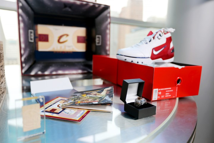 stockx cavs court spo box 2