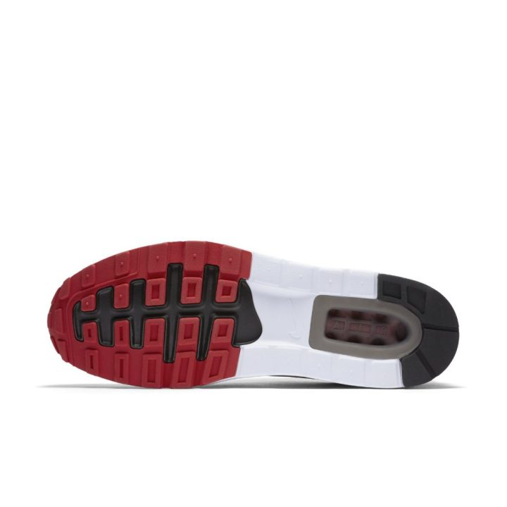 2b8204674e523 What do you think of material update  Do you plan on copping a pair of  these or the original  Source  Nike