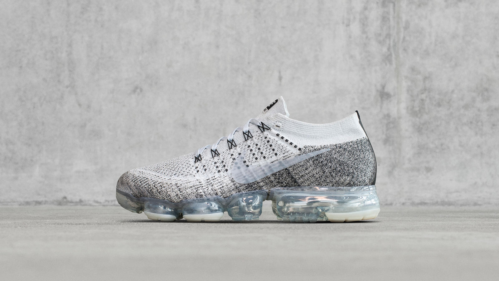 Another Laceless Nike Air VaporMax is Teased WearTesters