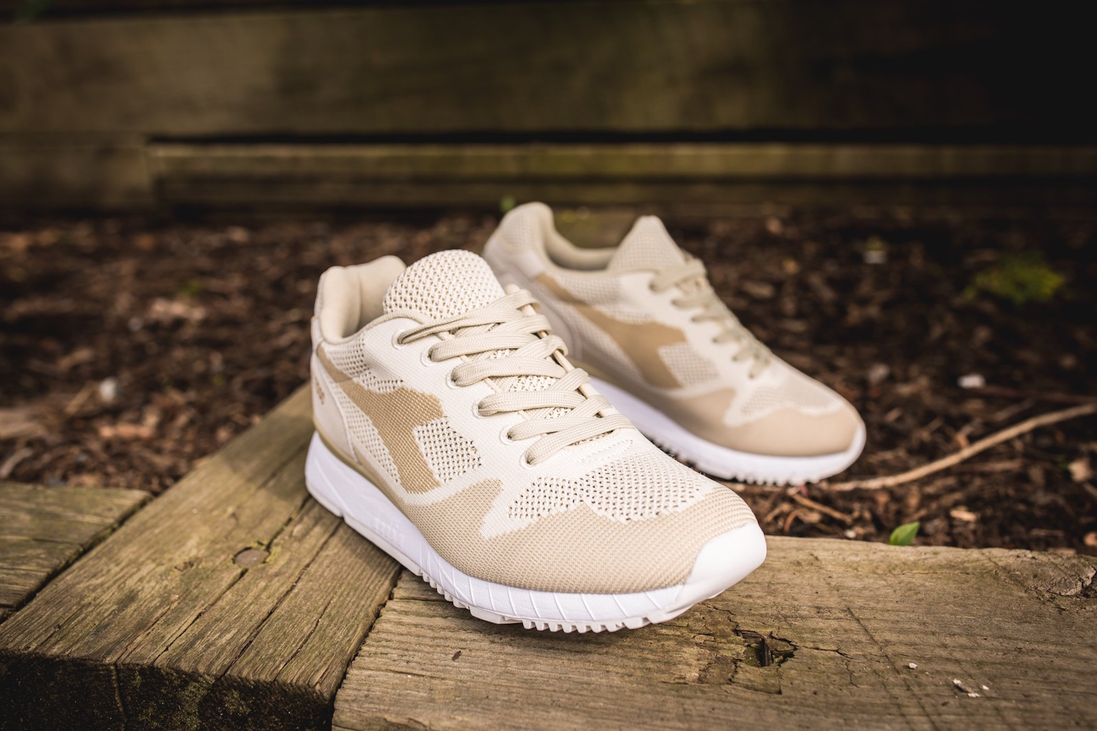 Diadora V7000 WEAVE Beige oxZ5WHY