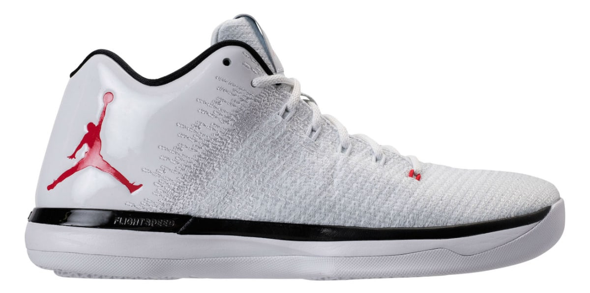 94cc2bb4e9f9 Check Out This Bulls Themed Colorway of the Air Jordan 31 Low-4 ...