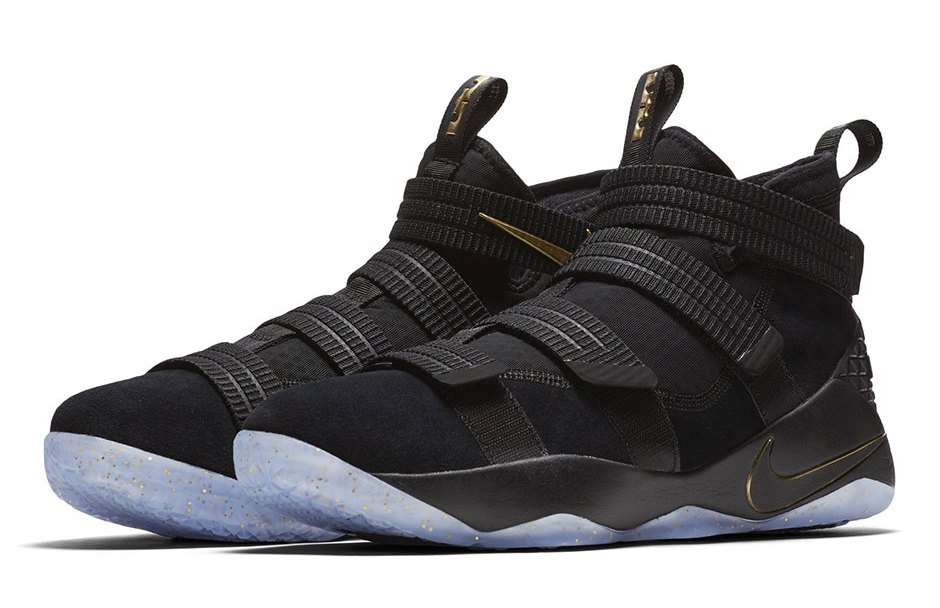 724751ce4551 This Finals PE of the Nike LeBron Soldier 11 Looks Very Familiar ...