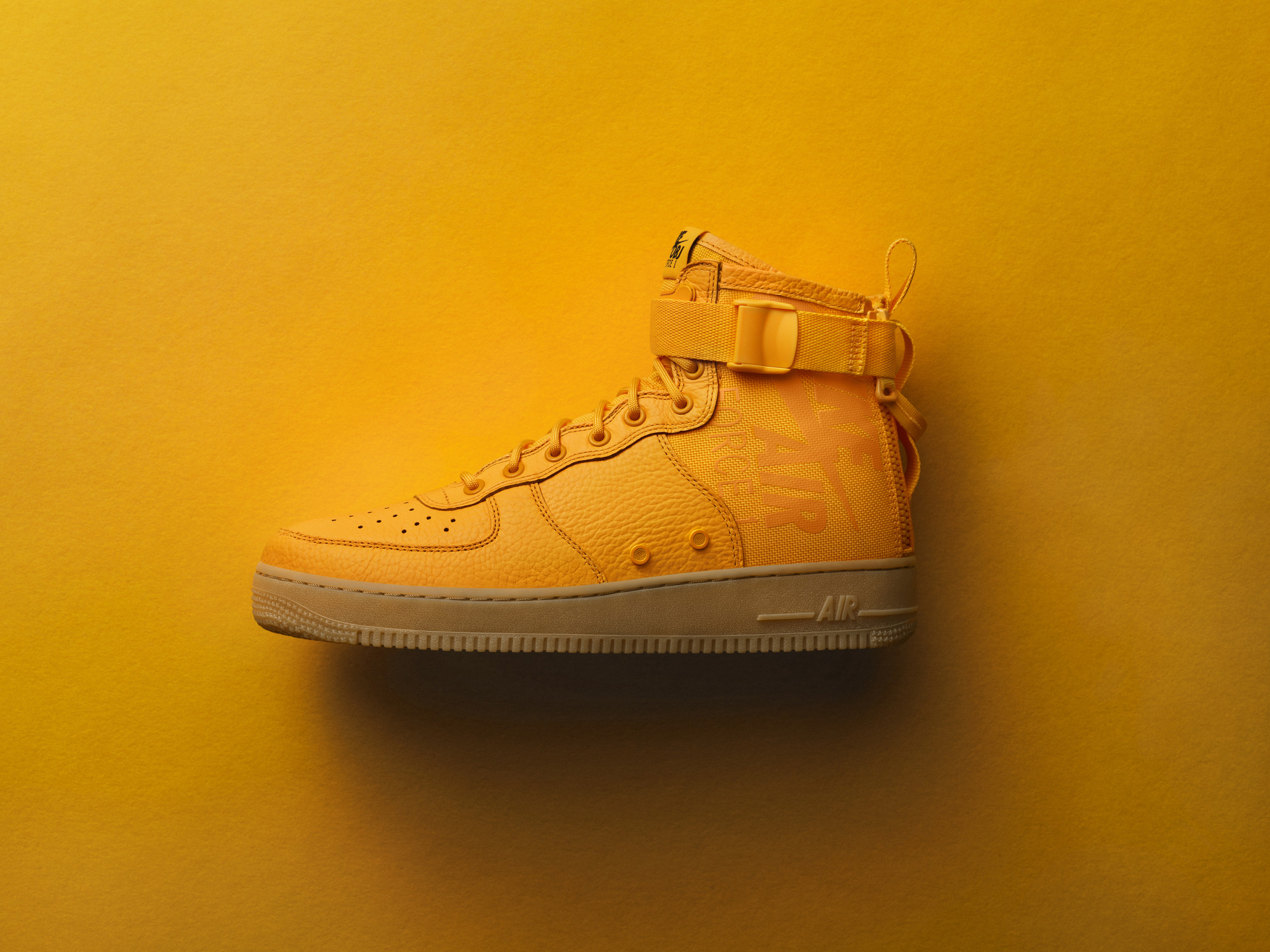 Odell Beckham Jr.\'s First Lifestyle Shoe is an SF AF1 Mid - WearTesters