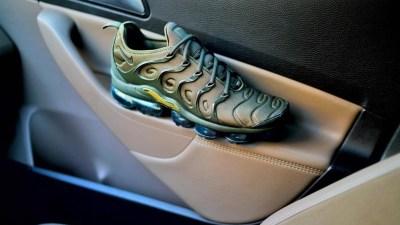 Nike vapormax plus olive
