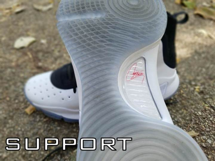 ef255946ab5f For a seriously lightweight and minimal shoe
