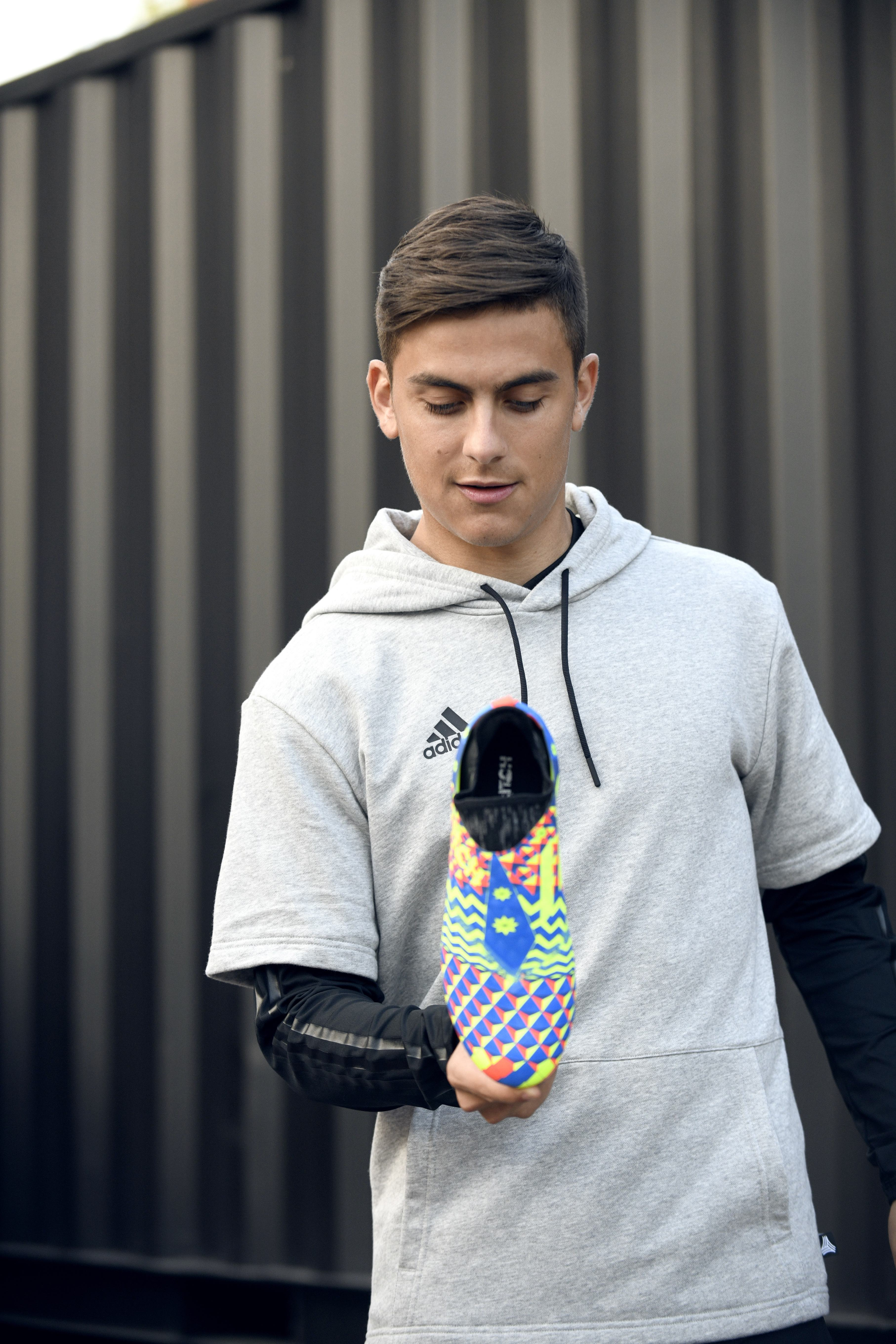 5de0b245a Paulo Dybala Adidas 3 - WearTesters