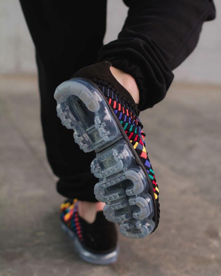 70a5aa10e65ab The Nike Air VaporMax Inneva  Rainbow  Dropped Today - WearTesters