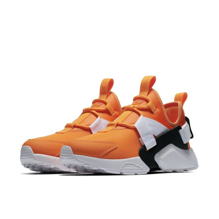 NIKE AIR HUARACHE CITY LOW ORANGE 1