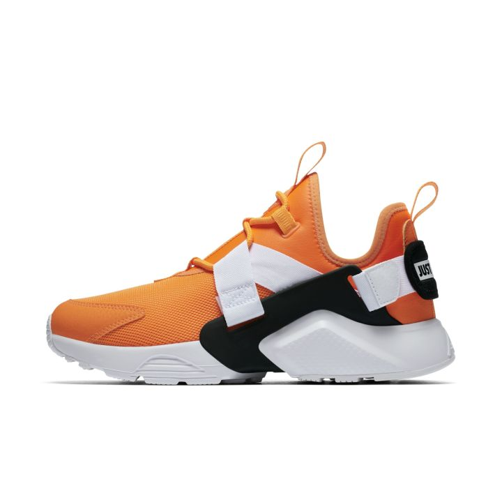NIKE AIR HUARACHE CITY LOW ORANGE 3
