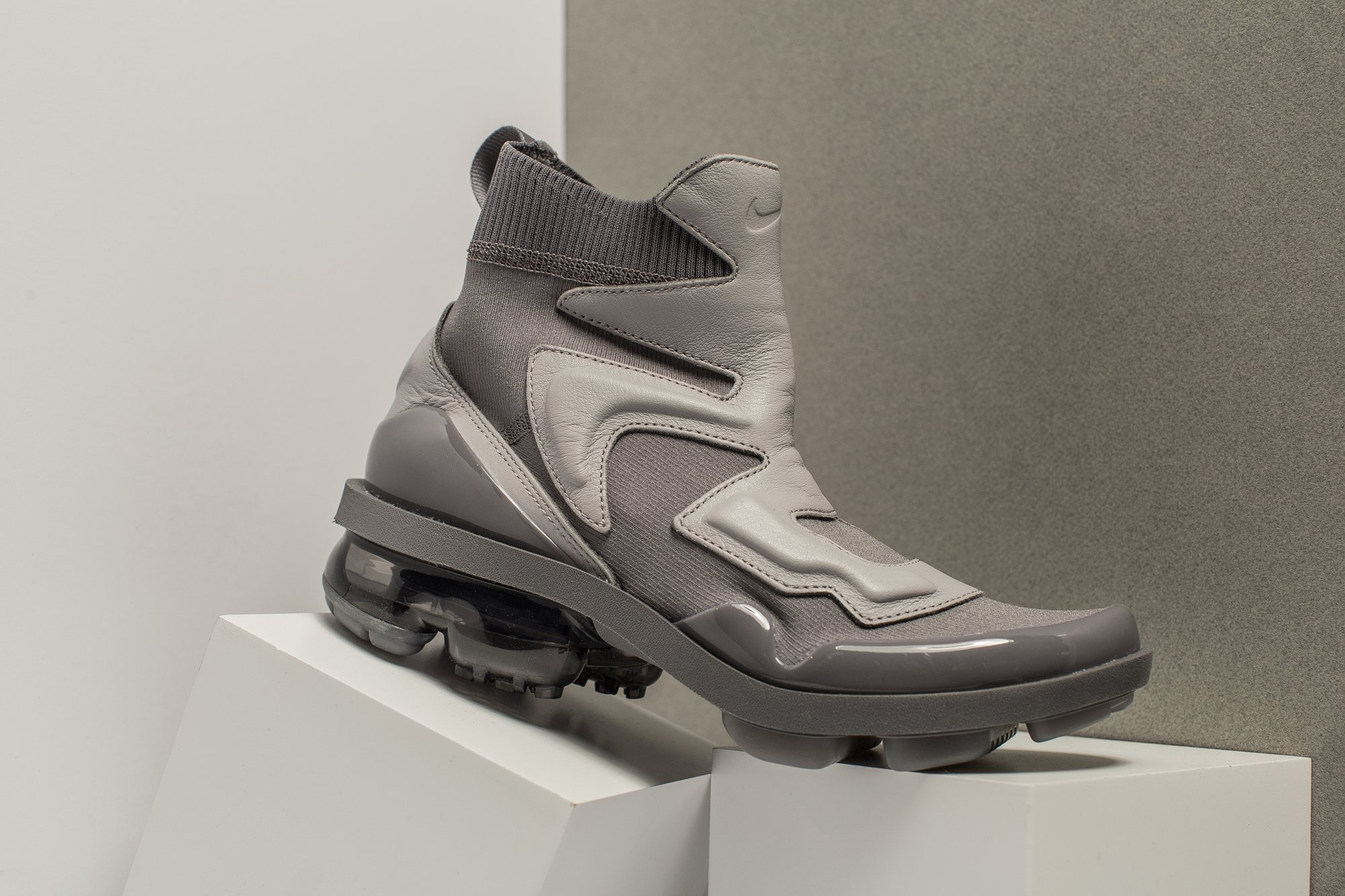 7080a96db47 nike vapormax light 2 boot womens - WearTesters