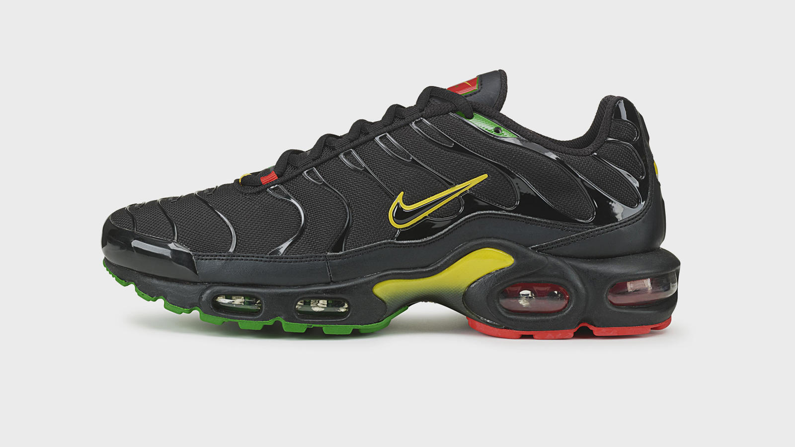 c50fdec61211 history of air max plus tn sean mcdowell - WearTesters