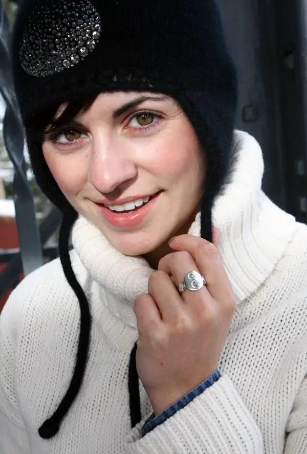 Snowy layers john hardy ring