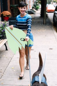 Halloween Couples Costume With Your Dog: Surfer Girl and