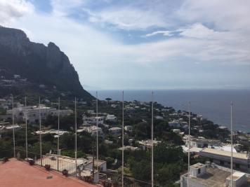 Capri 32