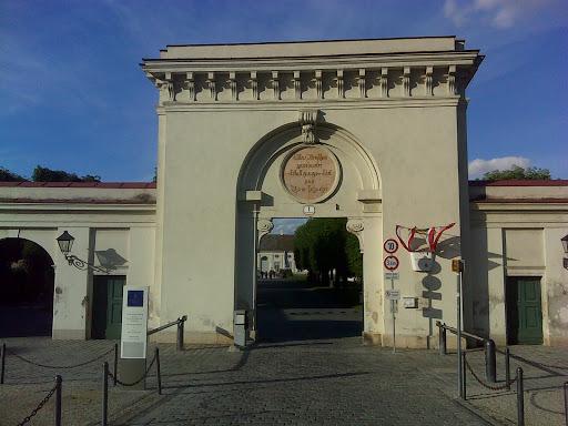 Eingang zum Augarten