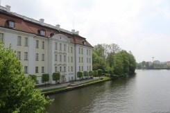 Canon EOS 100D Testbild Fluss Schloss