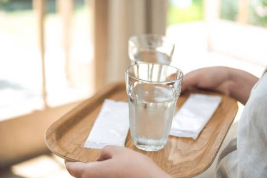 En Japón, muchos restaurantes ofrecen un Oshibori gratuito cuando entra.
