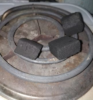 разжечь уголь для кальяна на электрической плите