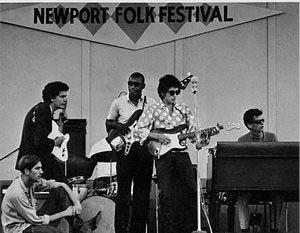 Bob Dylan at the Newport Folk Festival '65 (24kb)