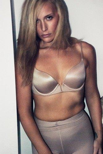 Lizzie Miller Buzz Beauty