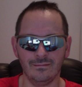 puma-sunglasses-mirror