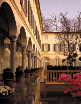 Hotel Four Seasons. Zona Cuadrilátero de la Moda, Milán