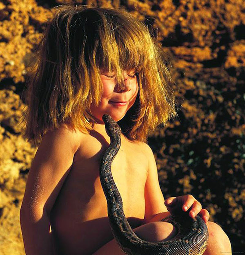 Breathtaking-Photos-Of-A-Little-Girl-'Tippi'-Growing-Up-Alongside-Wild-Animals-in-Southern-Africa6