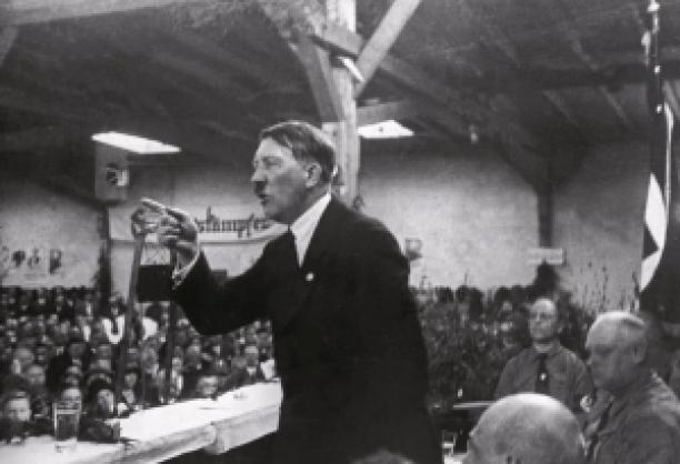 Hitler mond Johan persyn internet sociale communicatie netwerk tools affiliate program