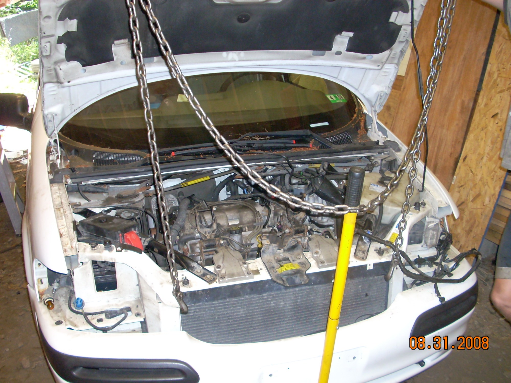 hight resolution of on a 2005 chevy venture fuel filter location